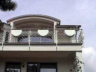 page wa balkone. Black Bedroom Furniture Sets. Home Design Ideas